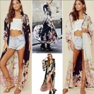 "Spell & The Gypsy Collective Intimates & Sleepwear - NEW SPELL ""Blue Skies"" Reversable Black Kimono OS"